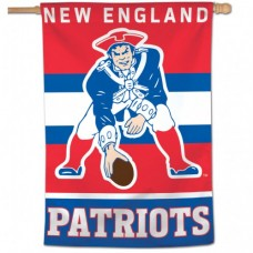 "New England Patriots / Classic Logo Retro Vertical Flag 28"" X 40"""